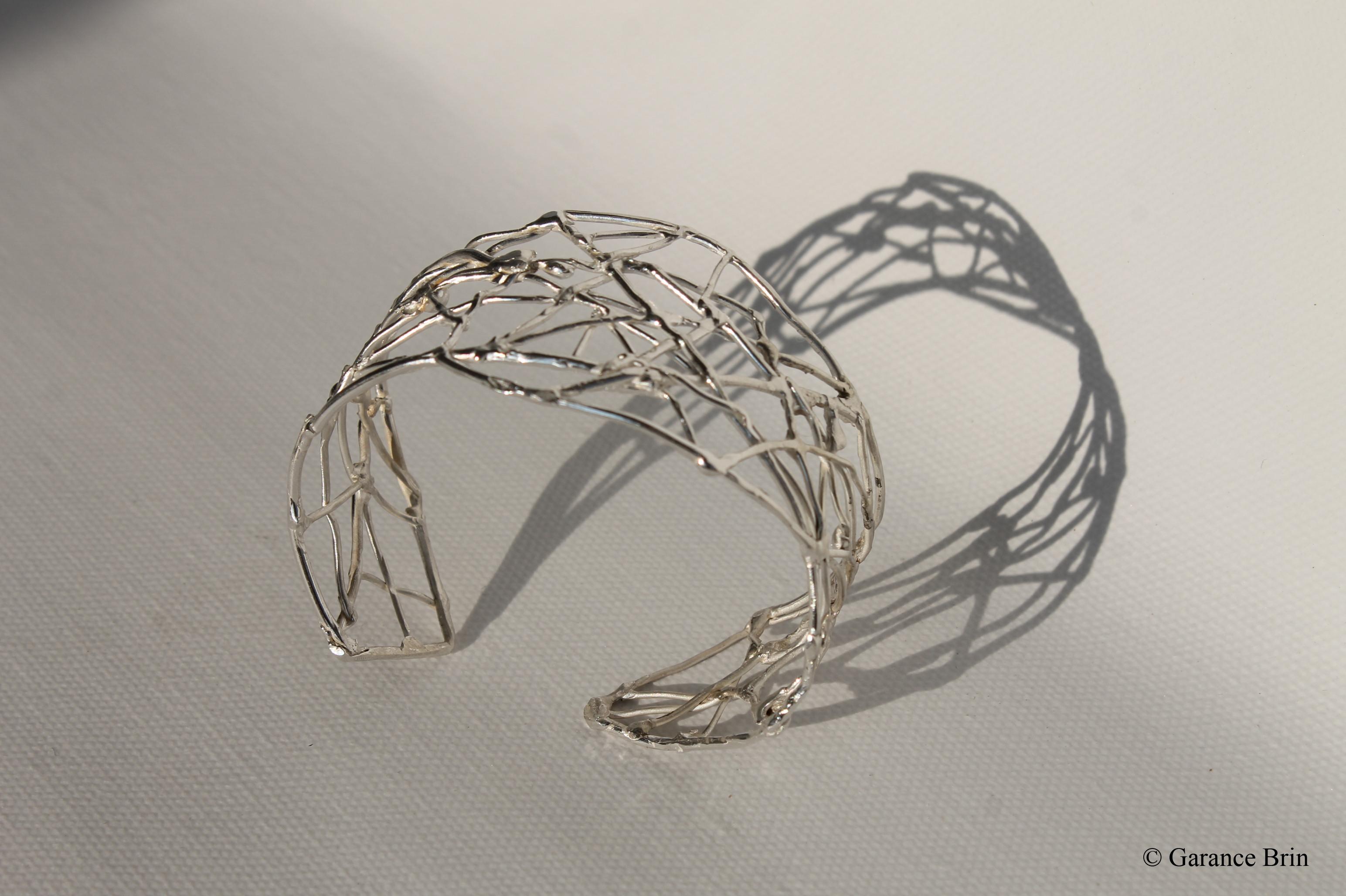 Manchette brut de toile de la créatrice de bijoux Garance BRIN