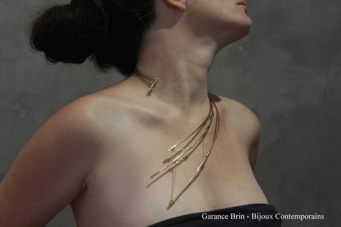 Collier-'-le-lien-en-suspension'-Garance-BRIN
