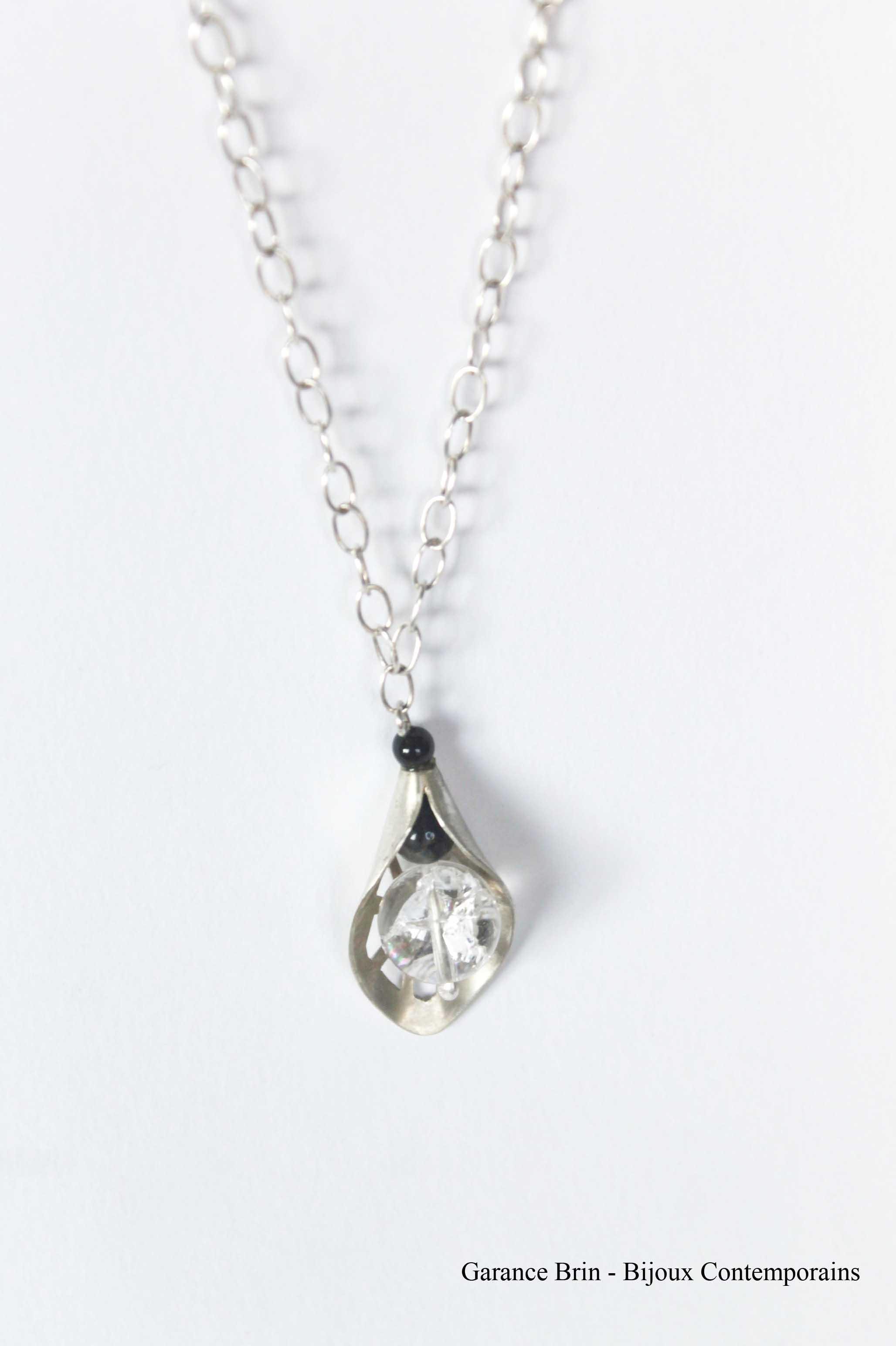 Collier feuille de toile - onyx, cristal de roche, Argent Bijoux contemporains Garance BRIN